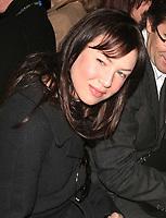RENE ZELLWEGER 02-07-2005<br /> OLYMPUS FASHION WEEK CAROLINA HERRERA FALL 2005 COLLECTION (CELEBS) BRYANT PARK, NEW YORK CITY. <br /> Photo By John Barrett/PHOTOlink.net