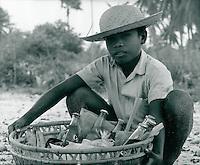 Junge am Strand, Bali, Indonesien 1972