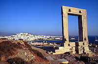 - Naxos island (Cyclades), the Apollo's temple in the chief town Chora..- isola di Naxos (Cicladi),  il tempio di Apollo nel capoluogo Chora.