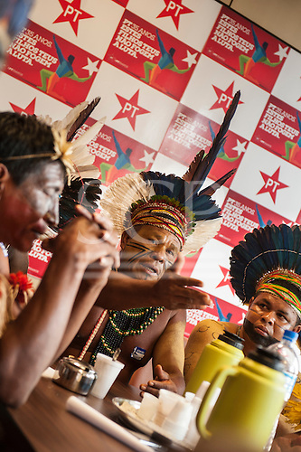 A Pataxo chief makes his point during an audience with Federal Deputies in Congress. Brasilia, Brazil, 10th November 2015. Photo © Sue Cunningham, pictures@scphotographic.com