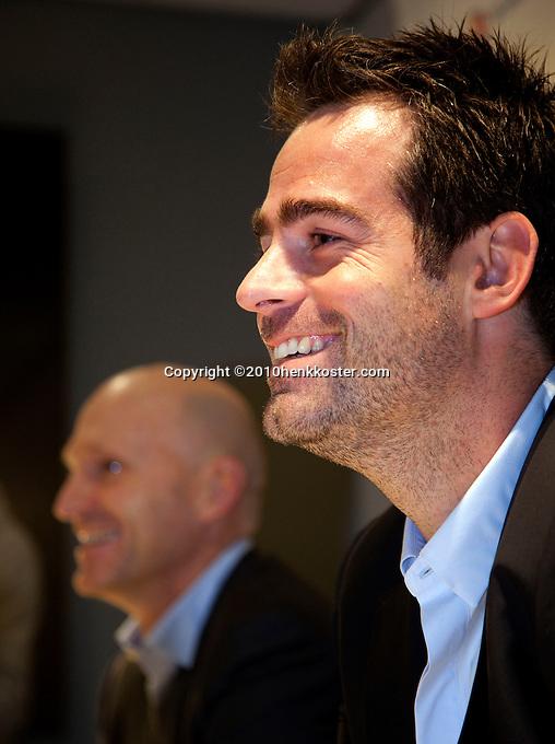 30-11-10, Tennis, Rotterdam, Persconferentie REAAL Tennis Masters, Toernooi directeur Raemon Sluiter op de voorgrond en Rohan Goetzke
