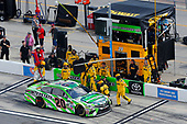 2017 NASCAR Cup - Clash at Daytona<br /> Daytona International Speedway, Daytona, FL USA<br /> Sunday 19 February 2017<br /> Matt Kenseth, Interstate Batteries Toyota Camry pit stop<br /> World Copyright: Russell LaBounty/LAT Images<br /> <br /> ref: Digital Image 17DAY1rl_2677