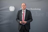 """Konstituierung des 3. Untersuchungsausschusses der 19. Wahlperiode (""""Wirecard"""") am <br /> Donnerstag den 8. Oktober 2020.<br /> Nach dem Zusammenbruch des Finanzunternehmens Wirecard hatten die Mitglieder des Deutschen Bundestag die Einsetzung des Wirecard-Untersuchungsausschuss beschlossen. Bundestagspraesident Wolfgang Schaeuble eroeffnete die konstituierende Sitzung.<br /> Im Bild: Matthias Hauer (CDU), Obmann und Sprecher der CDU/CSU im Ausschuss beim Pressestatement nach der Ausschusssitzung.<br /> 8.10.2020, Berlin<br /> Copyright: Christian-Ditsch.de"""