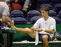 20-2-07,Tennis,Netherlands,Rotterdam,ABNAMROWTT, Florian Mayer receives treatment on his toe