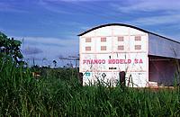 Beneficiada com incentivos da Sudam, a granja Modelo próximo a rodovia Transamazônica pertencente ao empresário ligado ao sen. Jader Barbalho ,José Soares Sobrinho.<br />Altamira Pará Brasil.<br />Foto Paulo Santos/Interfoto<br />21/03/2001