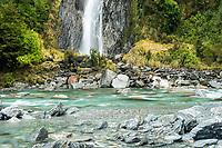Thunder Falls in Haast Pass, Mt. Aspiring National Park, West Coast, South Westland, UNESCO World Heritage Area, New Zealand