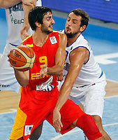 Ricky Rubio of Spain (L) and Marco Belinelli of Italy (R) in action during European basketball championship Eurobasket 2013, round 2, group F  basketball game between Italy and Spain in Stozice Arena in Ljubljana, Slovenia, on September 16. 2013. (credit: Pedja Milosavljevic  / thepedja@gmail.com / +381641260959)