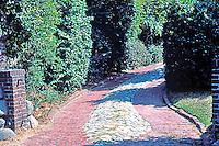 Greene & Greene: Hawkes House, 408 Arroyo Terrace, Pasadena 1906. Driveway.  Photo '84.