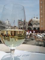 Vini Bianchi, Piazza San Marco
