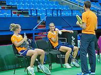 Moskou, Russia, Februari 3, 2016, Fed Cup Russia-Netherlands,  Practise Dutch team,   Richel Hogenkamp (L) and Arantxa Rus with captain Paul Haarhuis<br /> Photo: Tennisimages/Henk Koster