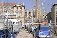 - Marsiglia, barche ormeggiate nel Porto Vecchio.. ..- Marseille, Boats moored in the Old Port