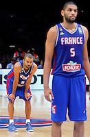 France's Tony Parker and Nicolas Batum during European championship semi-final basketball match between France and Spain on September 17, 2015 in Lille, France  (credit image & photo: Pedja Milosavljevic / STARSPORT)