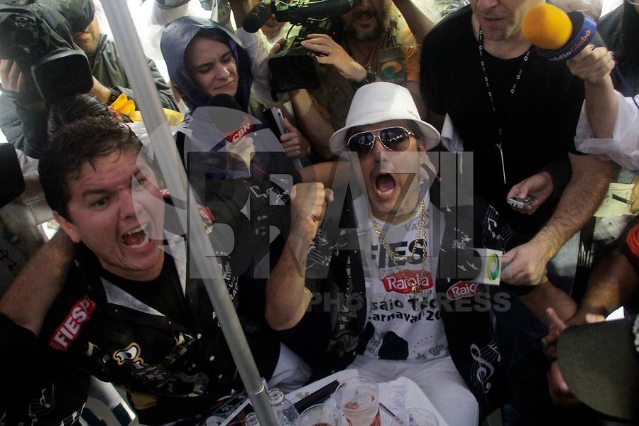 SP - CARNAVAL/SP/APURAÇÃO - CIDADES<br /> SP - CARNAVAL/SP/APURAÇÃO - CIDADES - Integrantes da Vai-Vai durante apuração das escolas de samba do Grupo Especial do Carnaval 2011 de São Paulo, realizada na tarde desta terça-feira (8), no Sambódromo do Anhembi, na zona norte da capital paulista.