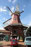 Rote Mühle der Greetsieler Zwillingsmühlen