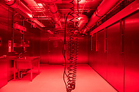"""Pressetermin des Robert Koch-Instituts vor der Inbetriebnahme des Hochsicherheitslabors der Schutzstufe S4.<br /> In dem Labor der hoechsten Schutzstufe koennen am Standort Seestraße in Berlin-Wedding hochansteckende, lebensbedrohliche Krankheitserreger wie Ebola-, Lassa- oder Nipah-Viren sicher untersucht werden.<br /> Der Betriebsbeginn ist am 31. Juli 2018.<br /> Im Bild: Blick in den """"Tierhaltungs-Raum"""".<br /> ACHTUNG: Sperrfrist der Veroeffentlichung ist bis 25. Juli 2018 9.00 Uhr!<br /> 24.7.2018, Berlin<br /> Copyright: Christian-Ditsch.de<br /> [Inhaltsveraendernde Manipulation des Fotos nur nach ausdruecklicher Genehmigung des Fotografen. Vereinbarungen ueber Abtretung von Persoenlichkeitsrechten/Model Release der abgebildeten Person/Personen liegen nicht vor. NO MODEL RELEASE! Nur fuer Redaktionelle Zwecke. Don't publish without copyright Christian-Ditsch.de, Veroeffentlichung nur mit Fotografennennung, sowie gegen Honorar, MwSt. und Beleg. Konto: I N G - D i B a, IBAN DE58500105175400192269, BIC INGDDEFFXXX, Kontakt: post@christian-ditsch.de<br /> Bei der Bearbeitung der Dateiinformationen darf die Urheberkennzeichnung in den EXIF- und  IPTC-Daten nicht entfernt werden, diese sind in digitalen Medien nach §95c UrhG rechtlich geschuetzt. Der Urhebervermerk wird gemaess §13 UrhG verlangt.]"""