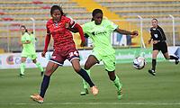 BOGOTÁ -COLOMBIA, 25-02-2018: Ivonne Chacon (Der) de La Equidad disputa el balón con Sindy Angel (Izq) de Fortaleza C.E. I.F.  durante partido por la fecha 3 de la Liga Femenina Águila I 2018 jugado en el estadio Metropolitano de Techo de la ciudad de Bogotá./ Ivonne Chacon (R) player of La Equidad fights for the ball with Sindy Angel (L) player of Fortaleza C.E. I.F.  during the match for the date 3 of the Aguila Women's League I 2018 played at Metropolitano de Techo stadium in Bogotá city. Photo: VizzorImage/ Felipe Caicedo / Staff