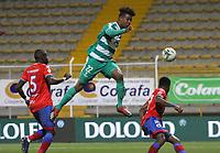 BOGOTÁ - COLOMBIA, 04-09-2019:David Camacho (Der.) jugador de La Equidad  disputa el balón con Geisson Perea (Izq.) jugador del Deportivo Pasto durante partido por la fecha 7 de la Liga Águila II 2019 jugado en el estadio Metropolitano de Techo de la ciudad de Bogotá. /David Camacho (R) player of La Equidad fights the ball  against of Geisson Perea (L) player of Deportivo Pasto  during the match for the date 7th of the Liga Aguila II 2019 played at the Metropolitano de Techo  stadium in Bogota city. Photo: VizzorImage / Felipe Caicedo / Staff.