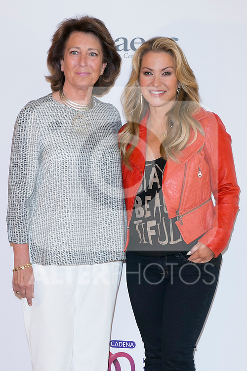 """US singer ANASTACIA (Right)  and Isabel Oriol (President of the Spanish Aginst Cancer Asociation) at the presentation of her new album """"Resurrection"""" an the Charity Concert """"Por Ellas"""" at the Spanish Against Cancer Asociation (AECC) building in Madrid, Spain. May 20, 2014. (ALTERPHOTOS/Carlos Dafonte)"""