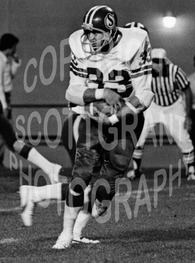 Pete Van Valkenburg Saskatchewan Roughriders 1976. Photo F. Scott Grant