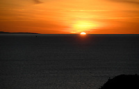 20200309  Lagos , Portugal : Sunrise pictured on Ponta Da Piedade before a MD -1 training session for the Belgian Red Flames before their game against the national team of Denmark on the third and last matchday of the Algarve Cup 2020 , a prestigious friendly womensoccer tournament in Portugal , on monday 9 th March 2020 in Lagos , Portugal . PHOTO SPORTPIX.BE | DAVID CATRY