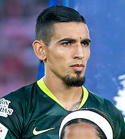 BOGOTA-COLOMBIA, 08-03-2020: Daniel Muñoz de Atletico Nacional durante partido entre Independiente Santa Fe y Atletico Nacional de la fecha 8 por la Liga BetPlay DIMAYOR 2020 jugado en el estadio Nemesio Camacho El Campin de la ciudad de Bogota. / Daniel Muñoz of Atletico Nacional during the match between Independiente Santa Fe and Atletico Nacional on date 6 for the BetPlay League DIMAYOR 2020 played at the Nemesio Camacho El Campin stadium in Bogota city. / Photo: VizzorImage / Daniel Garzon / Cont.