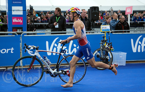 31 MAY 2015 - LONDON, GBR - Vincent Luis (FRA) from France exits transition for the start of the bike during the elite men's 2015 ITU World Triathlon Series round in Hyde Park, London, Great Britain (PHOTO COPYRIGHT © 2015 NIGEL FARROW, ALL RIGHTS RESERVED)