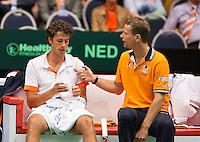 06-04-12, Netherlands, Amsterdam, Tennis, Daviscup, Netherlands-Rumania, Robin Haase   en captain Jan Siemerink