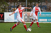 20150428 - VARSENARE , BELGIUM : Standard's Kim Mourmans  pictured in action during the soccer match between the women teams of Club Brugge Vrouwen and Standard de Liege Femina , on the 24th matchday of the BeNeleague competition Tuesday 28 th April 2015 in Varsenare . PHOTO DAVID CATRY