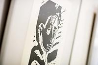 """Ausstellungseroeffnung """"Druckgrafik aus der Sammlung des Verlages 8. Mai"""" am 15. Februar 2018 in der Ladengalerie """"junge Welt"""".<br /> 15.2.2018, Berlin<br /> Copyright: Christian-Ditsch.de<br /> [Inhaltsveraendernde Manipulation des Fotos nur nach ausdruecklicher Genehmigung des Fotografen. Vereinbarungen ueber Abtretung von Persoenlichkeitsrechten/Model Release der abgebildeten Person/Personen liegen nicht vor. NO MODEL RELEASE! Nur fuer Redaktionelle Zwecke. Don't publish without copyright Christian-Ditsch.de, Veroeffentlichung nur mit Fotografennennung, sowie gegen Honorar, MwSt. und Beleg. Konto: I N G - D i B a, IBAN DE58500105175400192269, BIC INGDDEFFXXX, Kontakt: post@christian-ditsch.de<br /> Bei der Bearbeitung der Dateiinformationen darf die Urheberkennzeichnung in den EXIF- und  IPTC-Daten nicht entfernt werden, diese sind in digitalen Medien nach §95c UrhG rechtlich geschuetzt. Der Urhebervermerk wird gemaess §13 UrhG verlangt.]"""