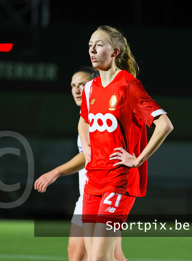 Lisa Petry (21 Standard) pictured during a female soccer game between Oud Heverlee Leuven and Standard Femina De Liege on the 10th matchday of the 2020 - 2021 season of Belgian Womens Super League , sunday 20 th of December 2020  in Heverlee , Belgium . PHOTO SPORTPIX.BE | SPP | SEVIL OKTEM
