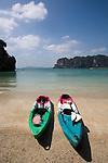 Meereskayak, Strand von Railay, Ao Nang, Provinz Krabi, Thailand