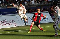 Arturo Vidal (Bayer Leverkusen) gegen Michael Thurk (EIntracht Frankfurt)