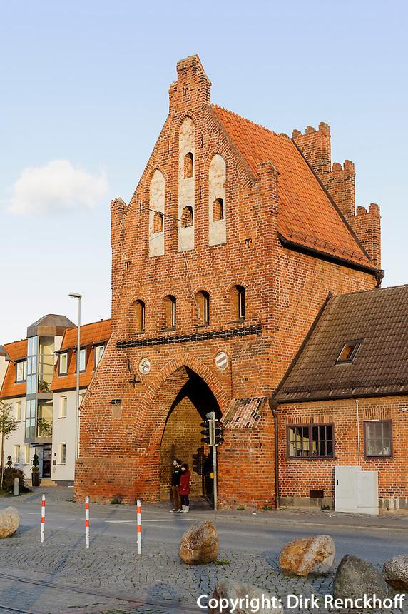 """Altes Stadttor """"Wassertor"""" in Wismar, Mecklenburg-Vorpommern, Deutschland, UNESCO-Weltkulturerbe"""