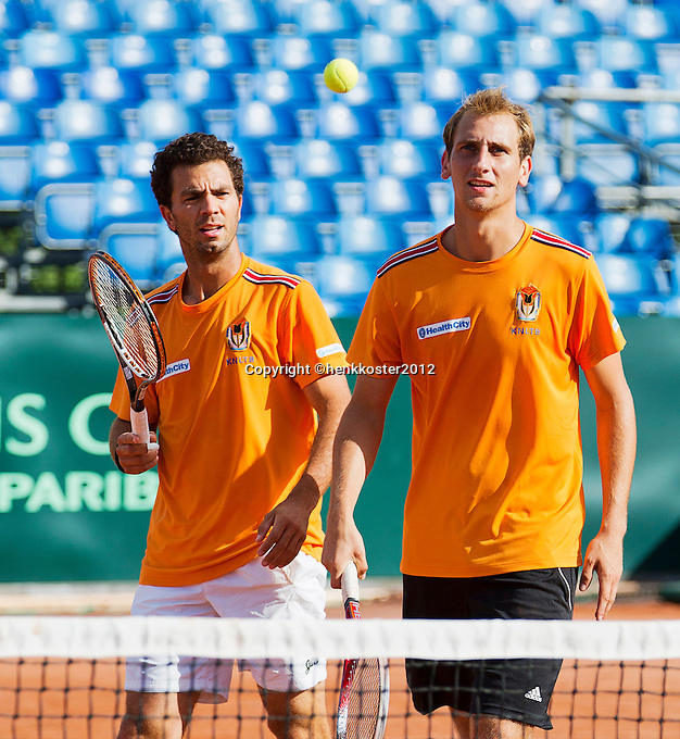 12-09-12, Netherlands, Amsterdam, Tennis, Daviscup Netherlands-Swiss, Training Netherlands, Jean-Julien Rojer and Thiemo de Bakker (R)in the doubles..