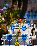 Frankreich, Provence-Alpes-Côte d'Azur, Menton: Restaurant-Terrasse mit eingedeckten Tischen   France, Provence-Alpes-Côte d'Azur, Menton: restaurant terrace with set tables