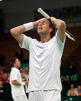 08-05-10, Tennis, Zoetermeer, Daviscup Nederland-Italie, Dubbles Robin Haase kan het niet geloven, het is afgelopen , op de achtergrond Igor Sijsling I
