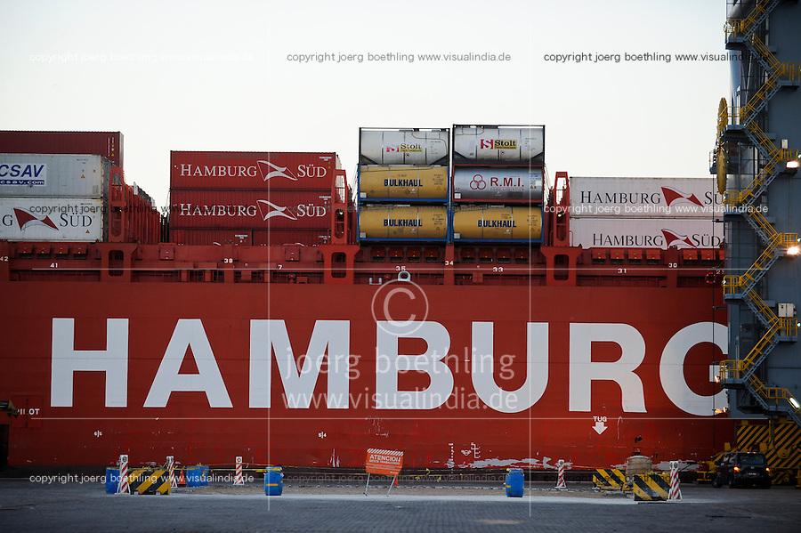 URUGUAY Montevideo , Container harbour Katoen Natie Terminal TCP , Containerhafen Katoen Natie Terminal TCP , Containerschiff der deutschen Reederei Hamburg Sued