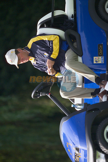 European Team Vice Captain Des Smyth waits for his players to come off the 16th green during the Morning Fourball on Day1 of the 2006 Ryder Cup at The K Club 21st September 2006.(Photo Eoin Clarke/Newsfile)