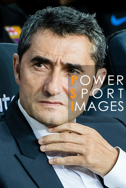 FC Barcelona head coach Ernesto Valverde Tejedor looks during the La Liga match between FC Barcelona vs RCD Espanyol at the Camp Nou on 09 September 2017 in Barcelona, Spain. Photo by Vicens Gimenez / Power Sport Images