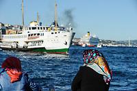TURKEY Istanbul, ferry boat at Bosporus, women with headscarf / TUERKEI Istanbul, Faehre am Bosporus