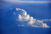 Cumulus: AFRIKA, SUEDAFRIKA, ORANGE FREE STATE, GARIEPDAM, 22.12.2007:  Afrika, Suedafrika, Orange Free, State, Gariepdam, Wolke, Cumulus, Haufenwolke, Wolke,