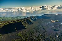 France, île de la Réunion, Parc national de La Réunion, classé Patrimoine Mondial de l'UNESCO, Les Hautes Plaines, le Piton de la Fournaise, avec l'enclos Fouqué   et  le  plateau du  Fond de la Rivière de l'Est et du rempart de la Rivière de l'Est, en arrière-plan (vue aérienne) // France, Reunion island (French overseas department), Parc National de La Reunion (Reunion National Park), listed as World Heritage by UNESCO, High Lands, Piton de la Fournaise, with the Fouque enclosure and of the  East River plateau and of  the East River bulwark   in the background (aerial view)