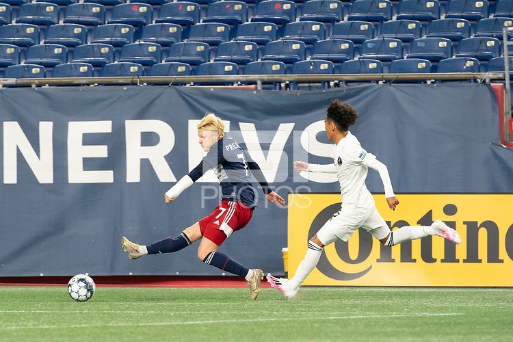 FOXBOROUGH, MA - OCTOBER 09: Connor Presley #7 of New England Revolution II passes the ball near the Fort Lauderdale goal during a game between Fort Lauderdale CF and New England Revolution II at Gillette Stadium on October 09, 2020 in Foxborough, Massachusetts.
