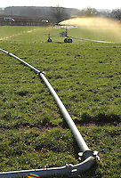 Spreading dirty water by umbilical system.