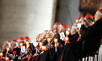 Cardinali durante la recita del Santo Rosario presenziata dal Papa per la conclusione del Mese Mariano, in Piazza San Pietro, Citta' del Vaticano, 31 maggio 2013.<br /> Cardinals hold candles during the recitation of the Holy Rosary attended by the Pope for the conclusion of the month of Mary, in St. Peter's square at the Vatican, 31 May 2013.<br /> UPDATE IMAGES PRESS/Riccardo De Luca<br /> <br /> STRICTLY ONLY FOR EDITORIAL USE