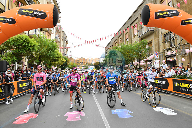 The leaders jerseys line up for the start of Stage 3 of the 103rd edition of the Giro d'Italia 2020 running 150km from Enna to Etna (Linguaglossa-Piano Provenzana), Sicily, Italy. 5th October 2020.  <br /> Picture: LaPresse/Massimo Paolone | Cyclefile<br /> <br /> All photos usage must carry mandatory copyright credit (© Cyclefile | LaPresse/Massimo Paolone)
