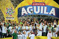 MEDELLÍN - COLOMBIA - 18 - 06 - 2017: Los jugadores de Atletico Nacional, celebran el titulo de campeones de La liga Aguila I, durante partido de vuelta, de la final entre Atletico Nacional y Deportivo Cali, por la Liga Águila I 2017, jugado en el estadio Atanasio Girardot de la ciudad de Medellín. / The players of Atletico Nacional, celebrate the title as champions of the Liga Aguila I, during a match of the second leg of the final between Atletico Nacional and Deportivo Independiente Medellin for the Aguila League I 2017, played at Atanasio Girardot stadium in Medellin city. Photo: VizzorImage / León Monsalve / Cont.