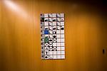 Panel indicador en uno de los pasillos del Parlamento Europeo en Bruselas. Diciembre 4, 2017. PHOTO CREDIT © DELMI ALVAREZ