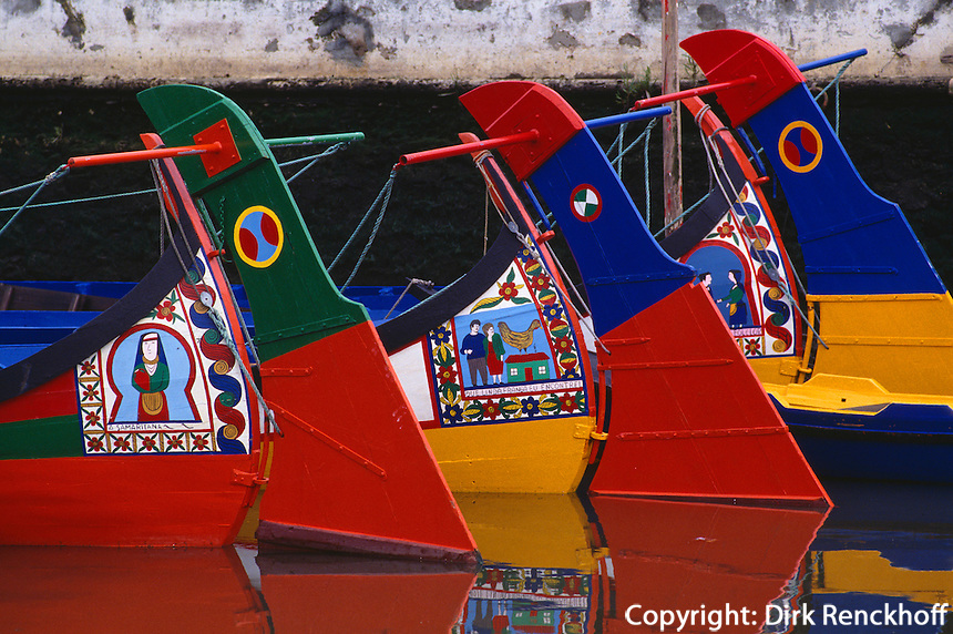 Schnabelboote (Moliceiros) in Aveiro, Portugal