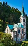 Deutschland, Bayern, Berchtesgadener Land, Berchtesgaden: die Christuskirche unterhalb des Kalvarienbergs | Germany, Bavaria, Berchtesgadener Land, Berchtesgaden: Christ church